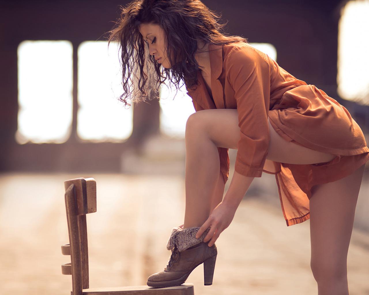 Ноги врозь девушки фото