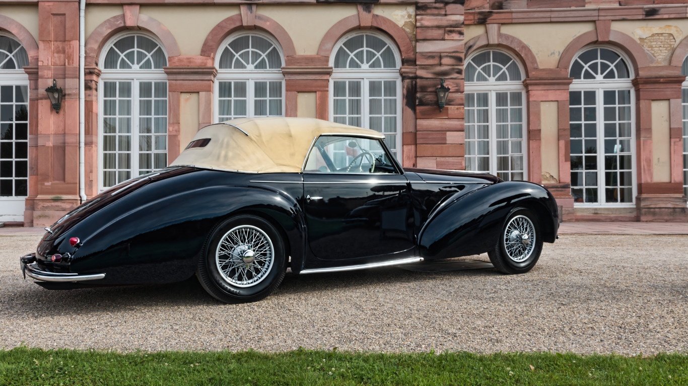 https://img3.goodfon.com/original/1366x768/1/fc/1946-delahaye-135m-cabriolet-1305.jpg