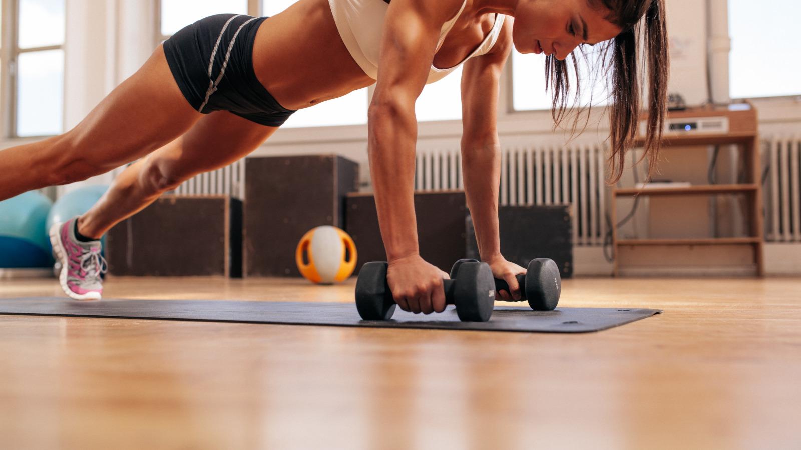 Как правильно заниматься спортом в домашних условиях 2