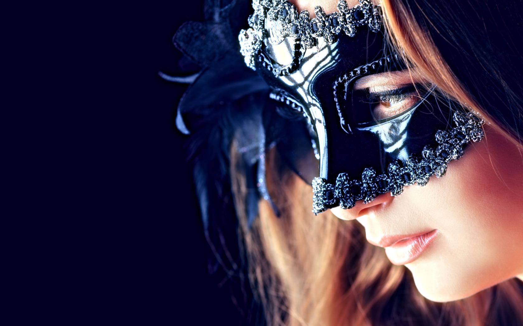 Фото на аву в масках для девушек