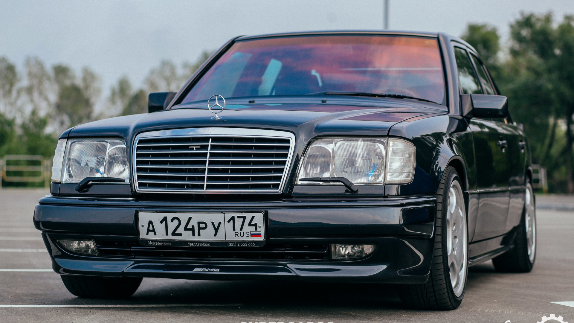 Download wallpaper mercedes-benz, amg, w124, section
