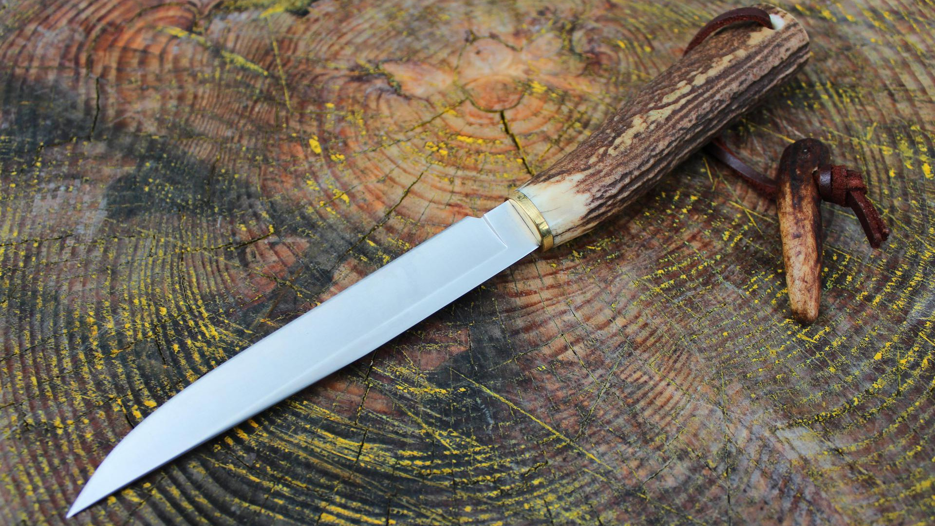 Нож с зажигалкой  № 612857 бесплатно