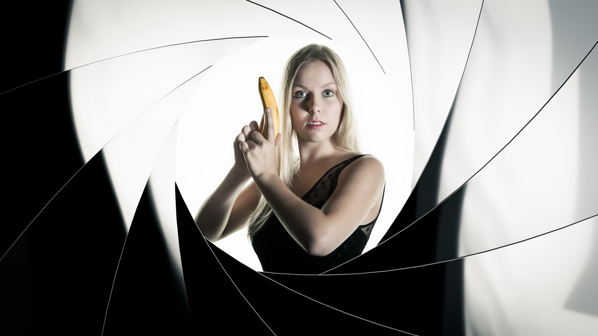 jane-bond-banana-affairs.jpg