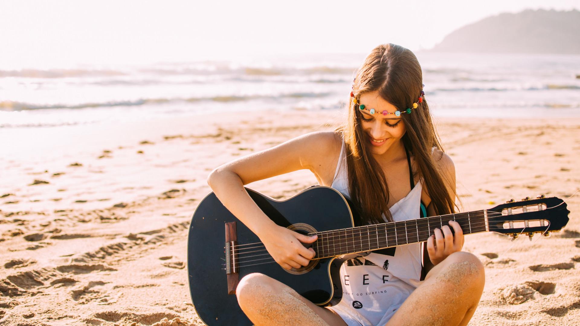 Обои гитара девушки голые