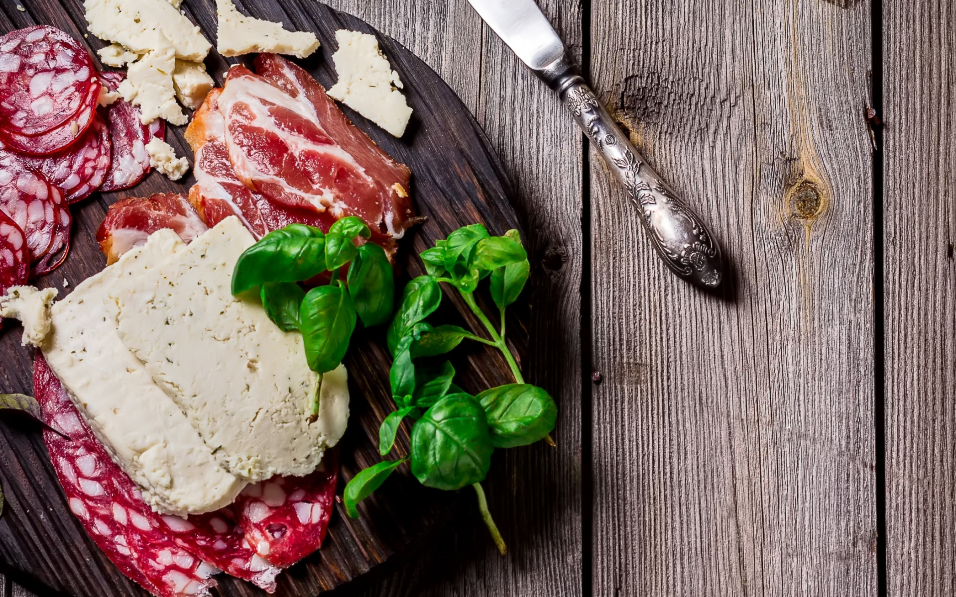 еда колбаса сосиски мясо салат  № 2121893  скачать