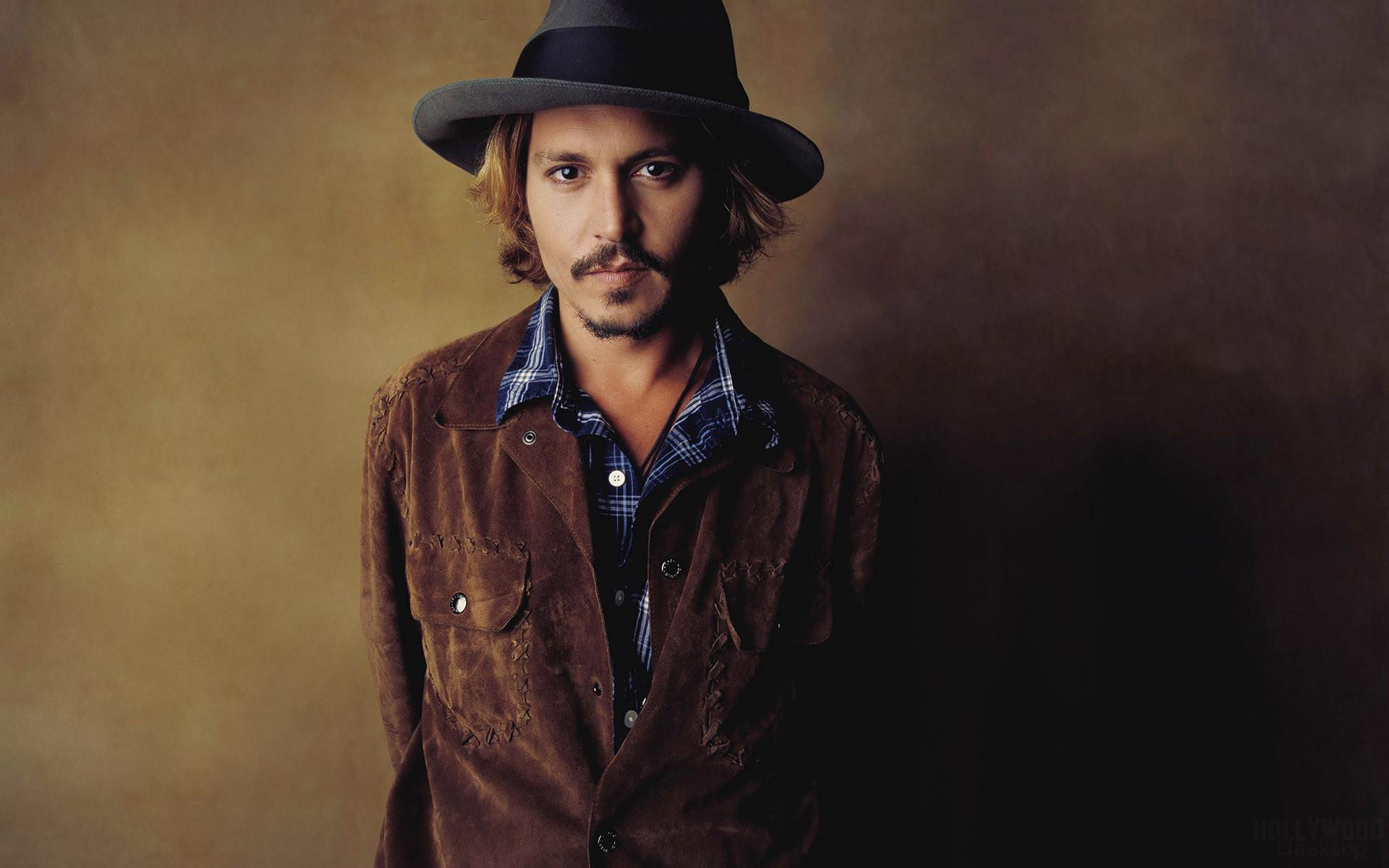 John Depp II dit Johnny Depp est un acteur réalisateur guitariste scénariste et producteur de cinéma américain né le 9 juin 1963 à Owensboro Il devient