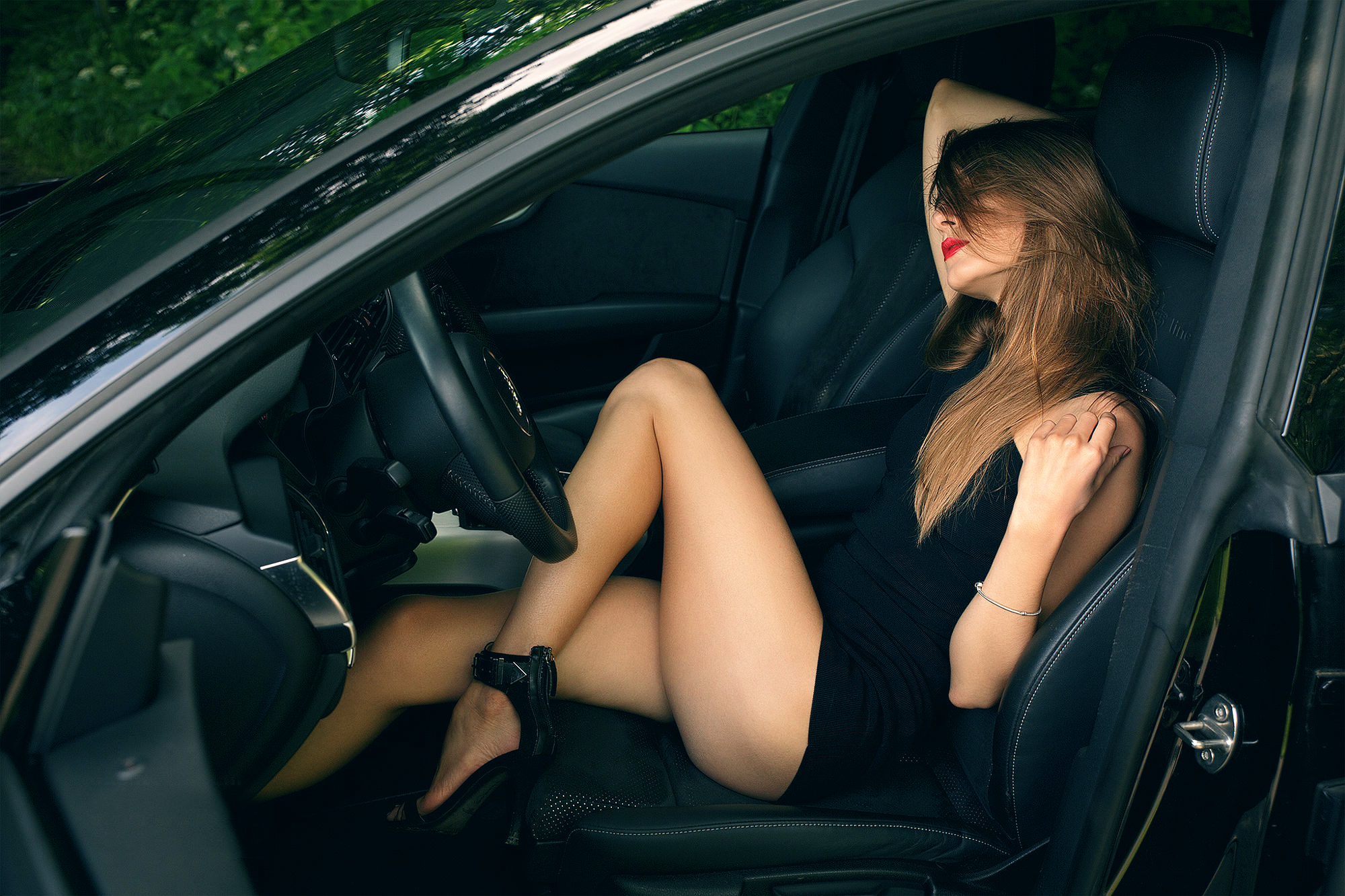 Hot Girls Fast Cars