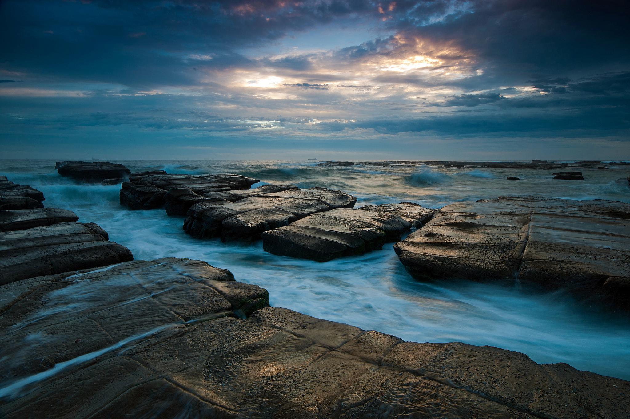 природа море горизонт камни облака небо скалы  № 432333 без смс