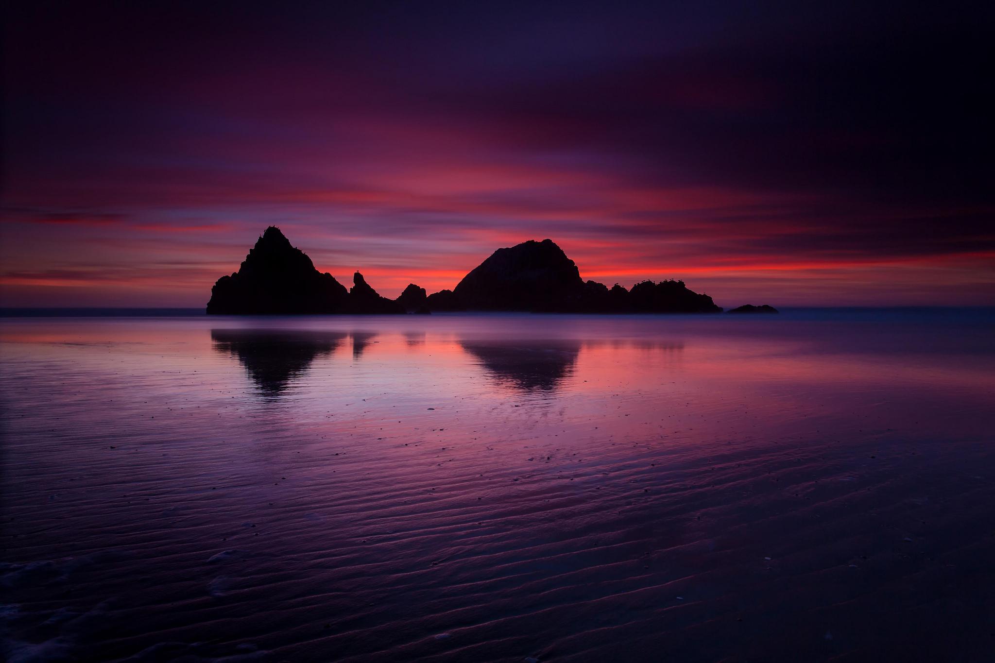 розовый закат, море, горы  № 3110145 бесплатно