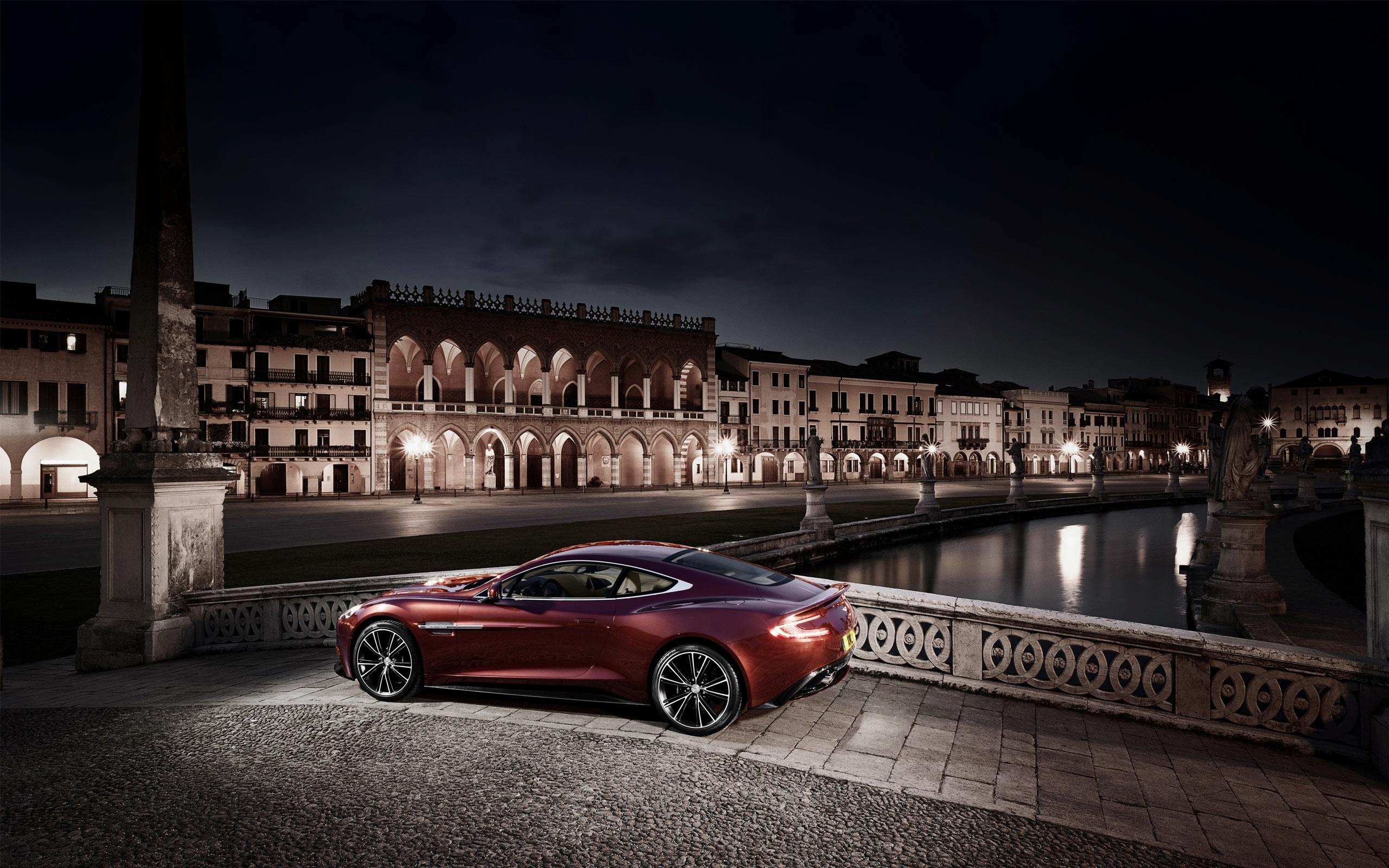 Aston Martin суперкар ночь город  № 2374783 загрузить