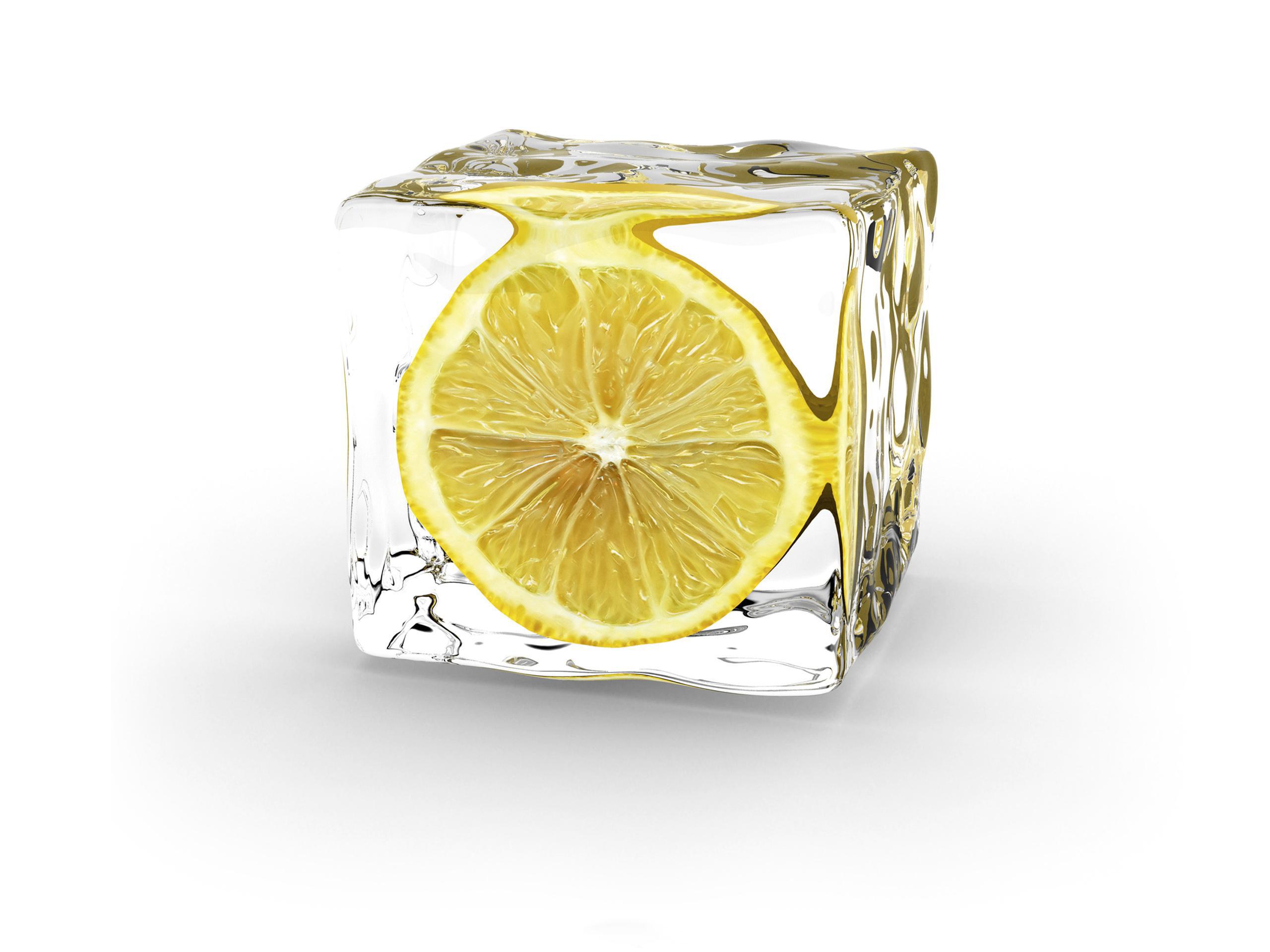 Дольки лимона в стакане  № 3698259  скачать