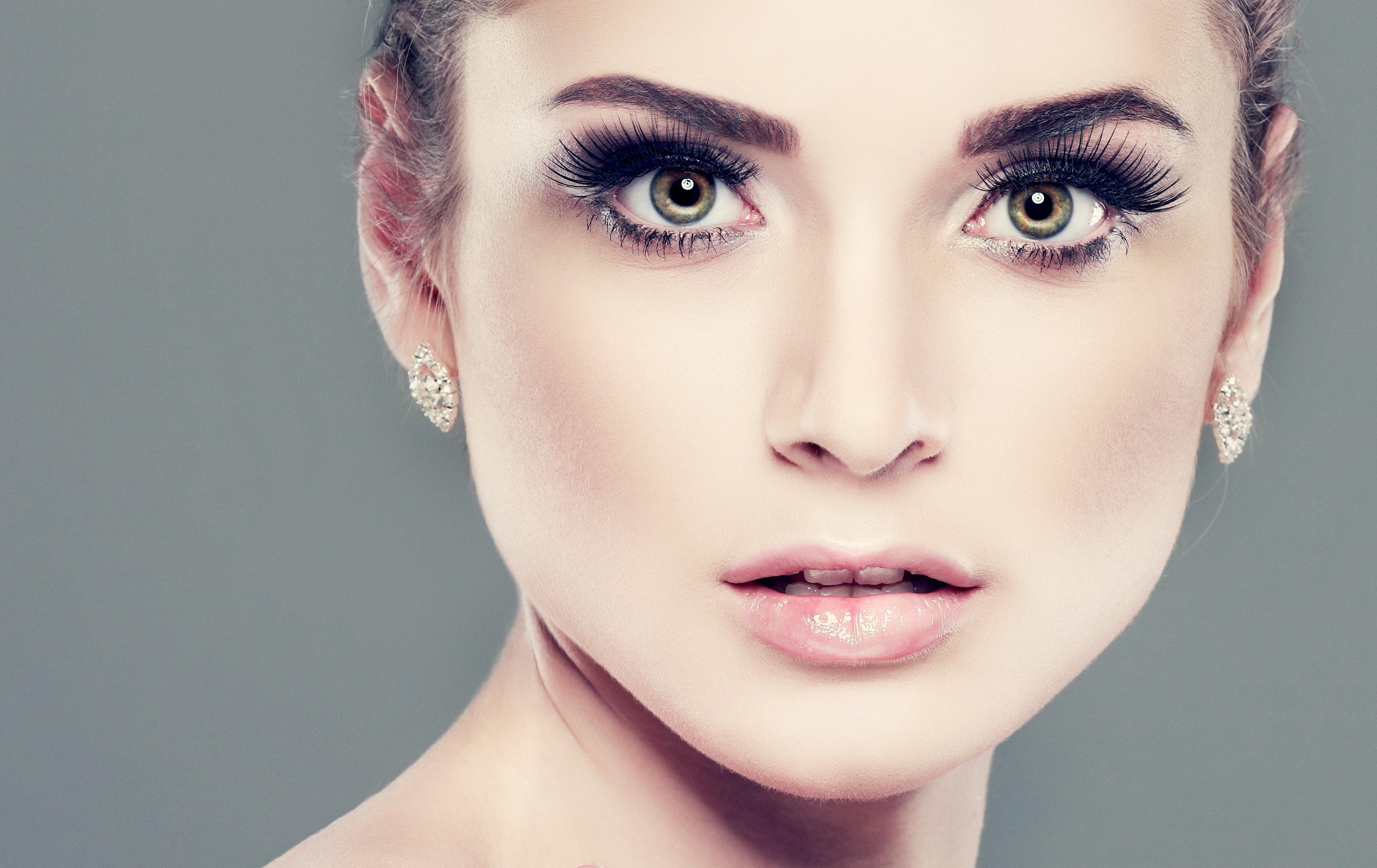 Download Wallpaper Girl Eyelashes Hair Earrings Lips Green Eyes