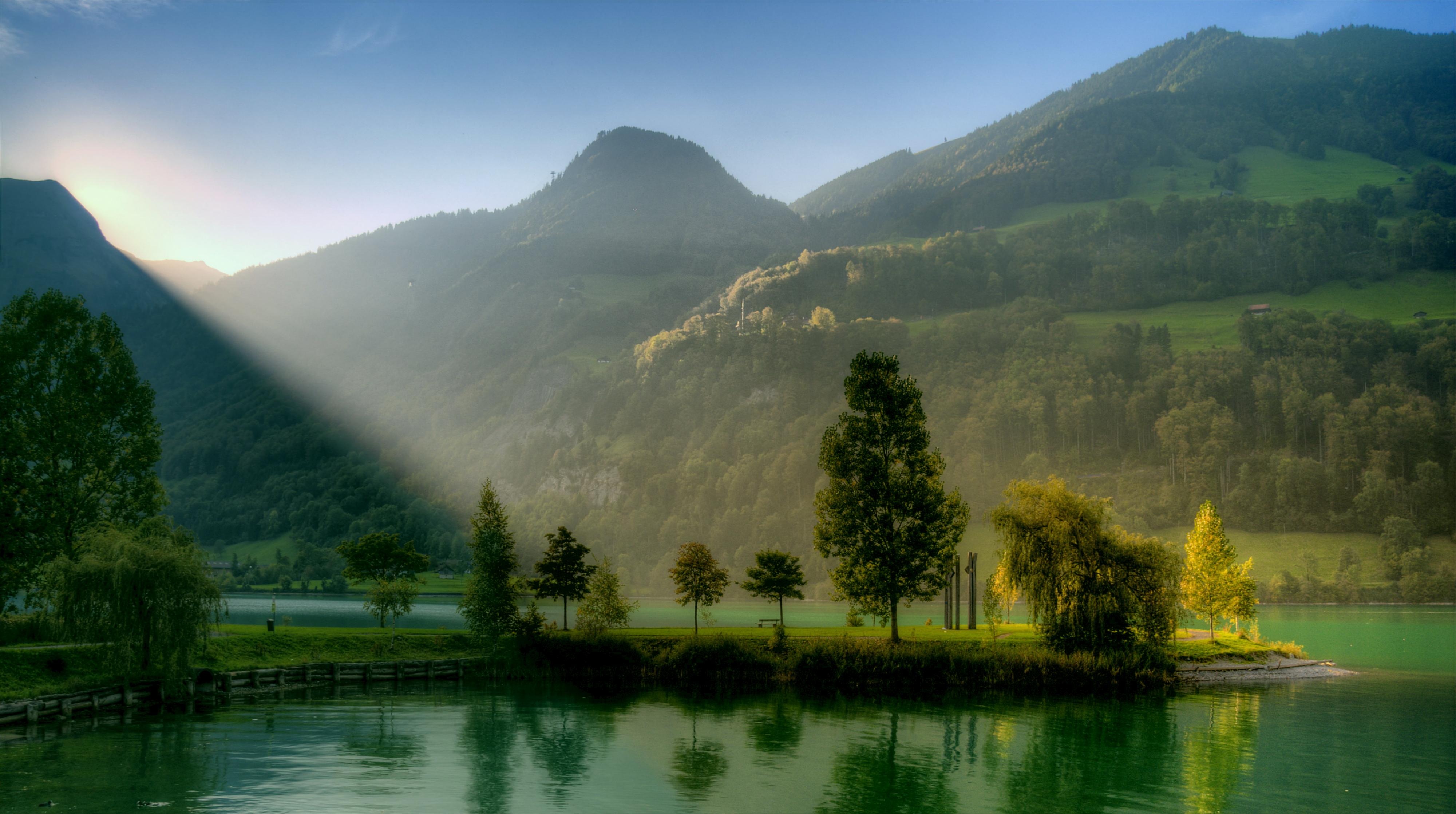 горы рассвет деревья вода  № 3850762 загрузить