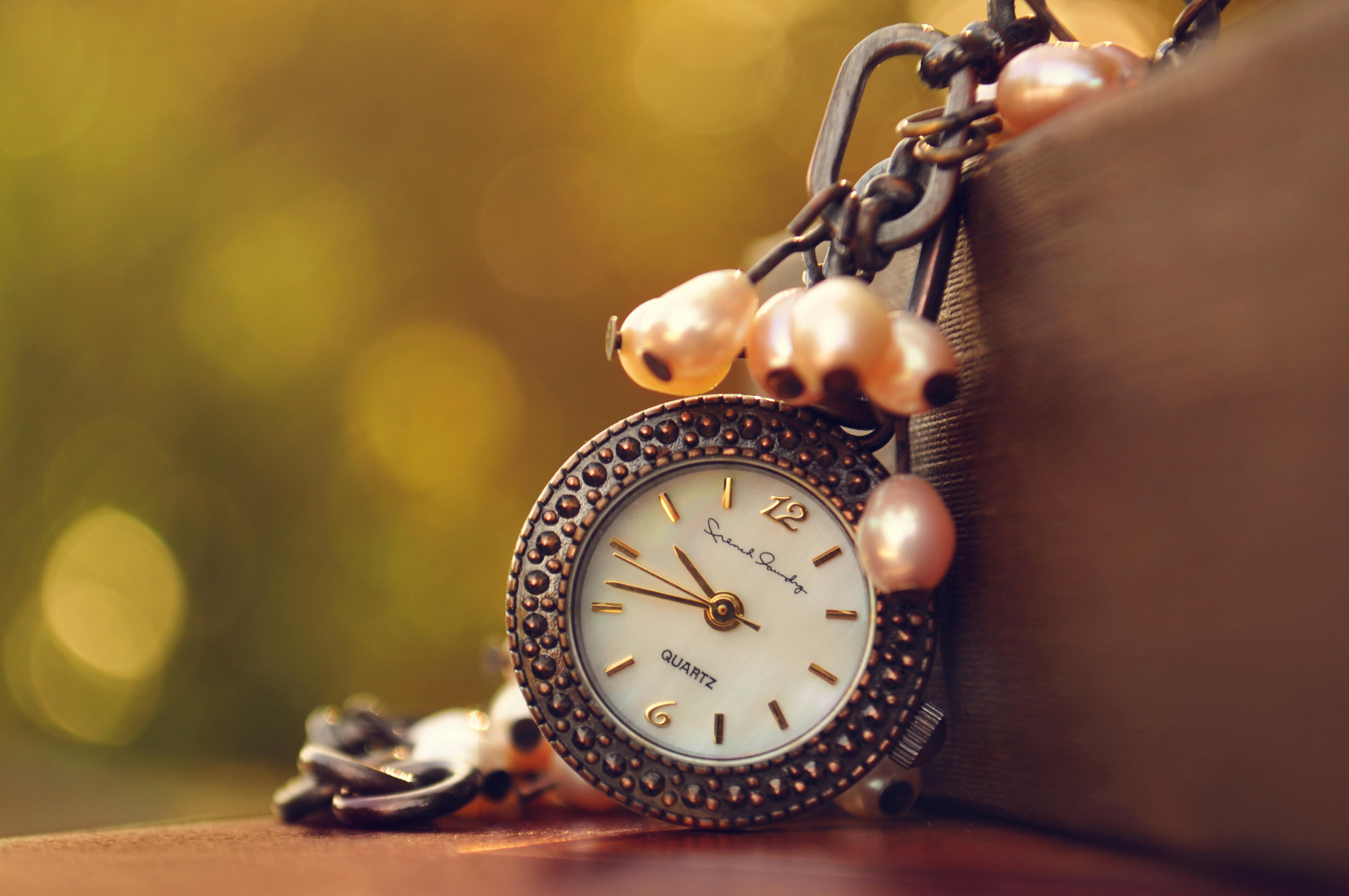 Карманные часы и скатерть  № 2171657 без смс