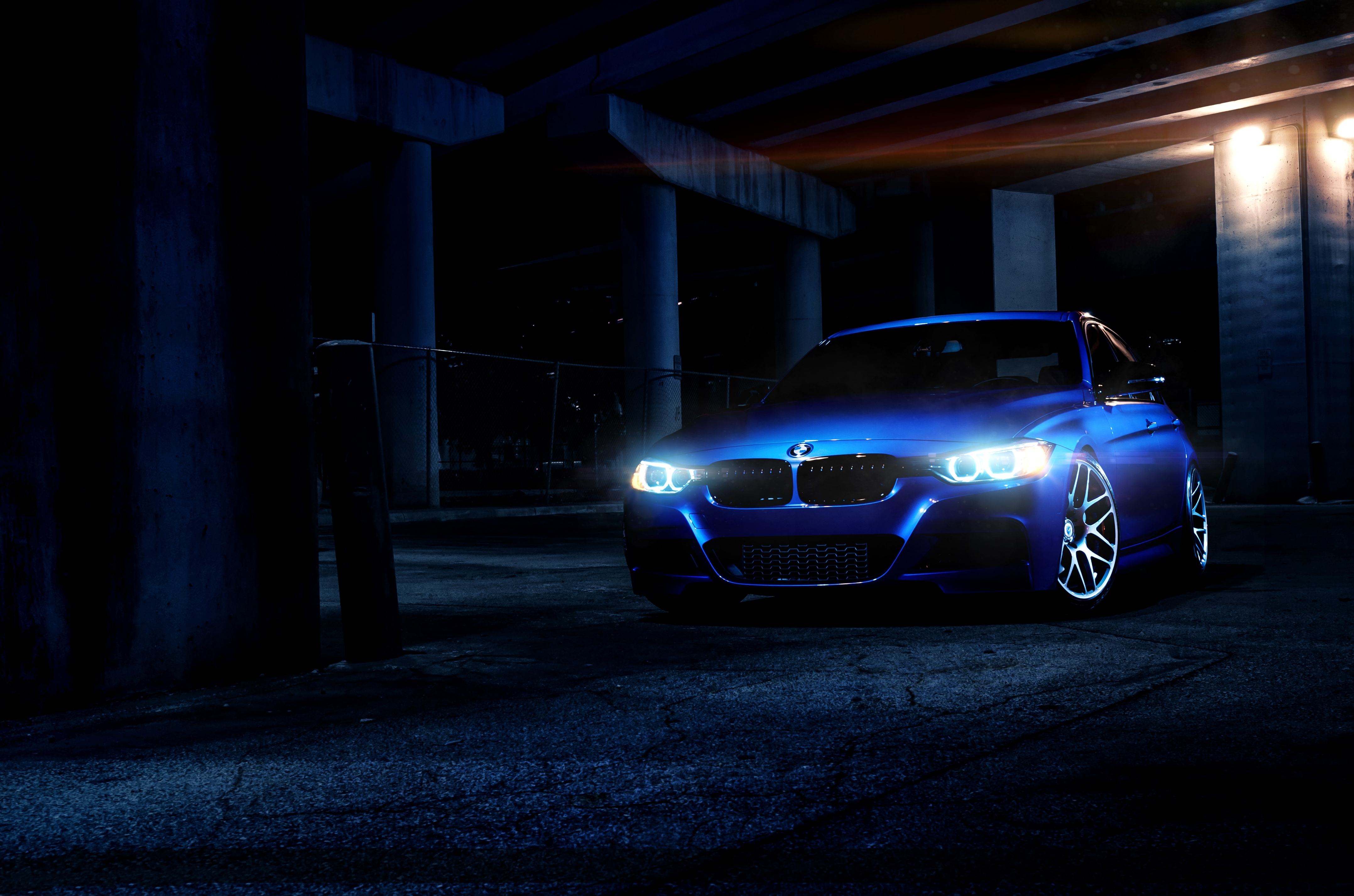 синий автомобиль BMW blue car  № 215750  скачать