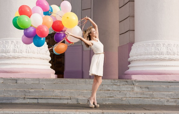 Picture girl, balls, joy, happiness, freshness, the city, smile, balloons, background, holiday, widescreen, Wallpaper, street, mood, …