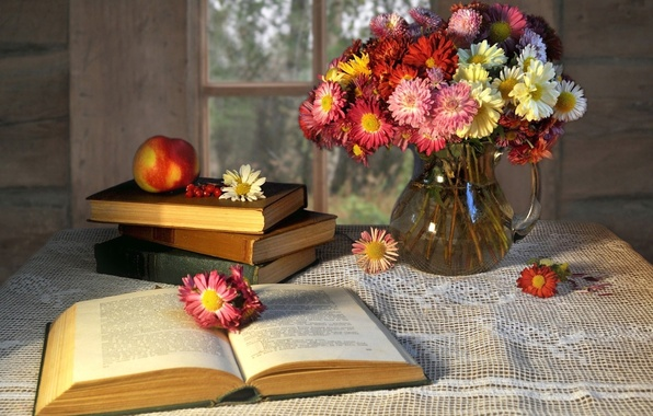 Picture flowers, table, background, widescreen, Wallpaper, mood, books, Apple, fruit, book, vase, wallpaper, flowers, owner, widescreen, …