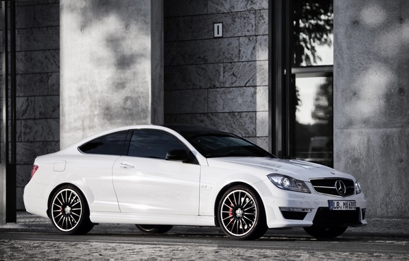 Picture white, the building, Mercedes, white, Mercedes, amg, AMG, C63, building