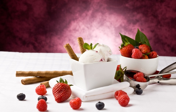 Picture berries, raspberry, blueberries, strawberry, ice cream, dessert, tube