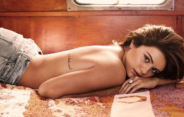 Picture look, girl, model, back, actress, tattoo, Selena Gomez