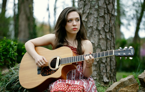 Picture guitar, singer, songwriter, Carly Gibson