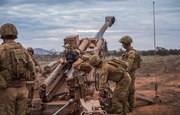 Picture weapons, soldiers, howitzer, Australian Army, M777