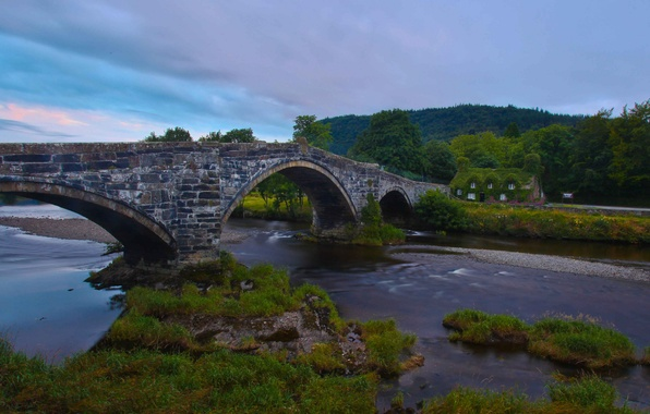 Picture bridge, England, England, Wales, Wales, Llanrwst Bridge, Tu Hwnt I r Bont, River Conwy, the …