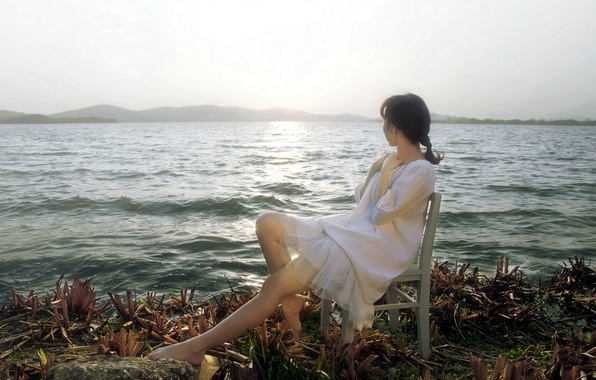 Picture sea, girl, shore
