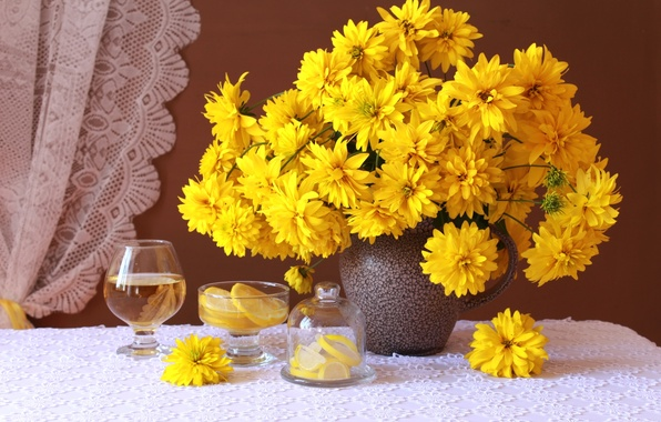 Photo wallpaper yellow, lemon, glass, bouquet, rudbeckia