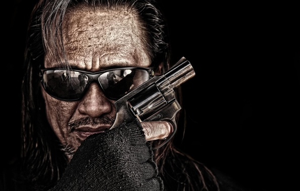 Picture face, weapons, hand, man, glasses, revolver