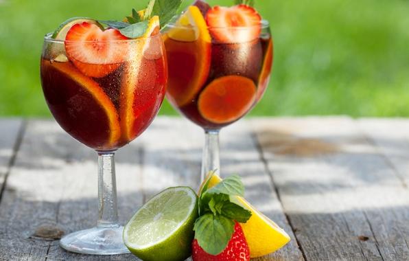 Picture leaves, drops, lemon, glasses, strawberry, berry, lime, drink, fruit, bokeh
