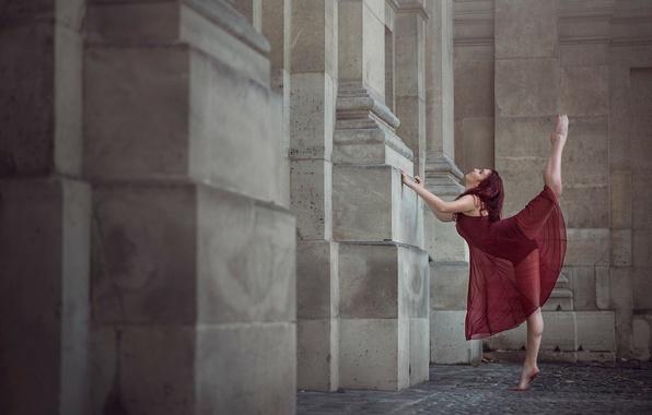 Picture girl, the city, Paris, dance, Annabelle Tricoire