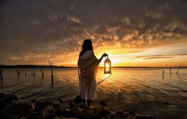 Picture sea, girl, night, lantern