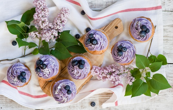Picture berries, towel, blueberries, cream, lilac, cupcakes, cupcakes