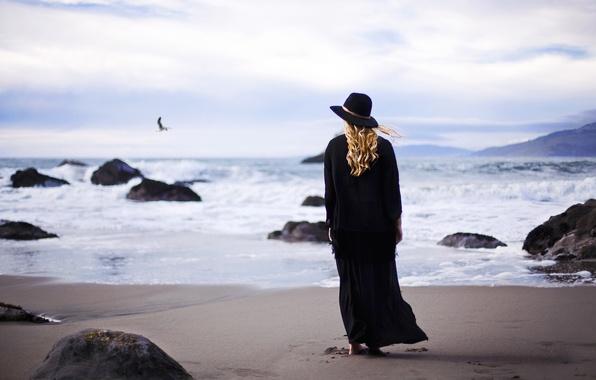 Picture sea, wave, girl, hat, black, blonde, surf, curls, curls