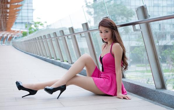 Picture summer, look, girl, face, hair, dress, heels, legs