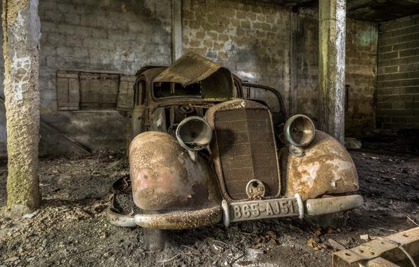 Picture machine, garage, scrap