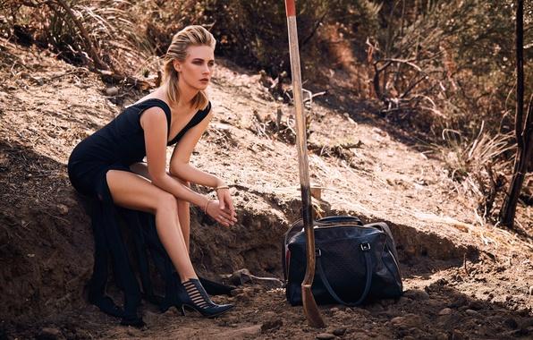 Picture nature, pose, model, makeup, figure, dress, actress, hairstyle, blonde, photographer, bag, shovel, photoshoot, January Jones, …