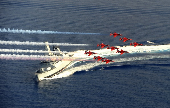 Picture army, Red Arrows, HMS Diamond