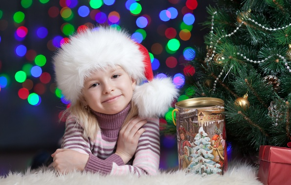 Picture smile, box, girl, Bank, tree, child, cap, Christmas decorations