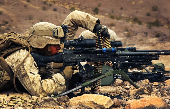 Picture rock, soldiers, M240, machine gun, ammunition, ground, equipment