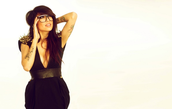 Picture Girl, Look, White, Glasses, Face, Hands, Background, Brunette, Tattoo, Tattoo, Figure, Alie Laius, Hairstyle