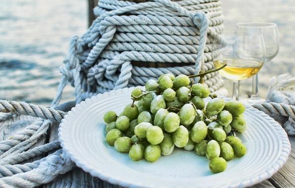 Picture sea, drops, wine, glasses, plate, grapes, rope