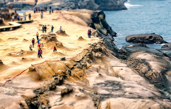 Picture people, tilt shift, Taiwan, Yehliu Geopark