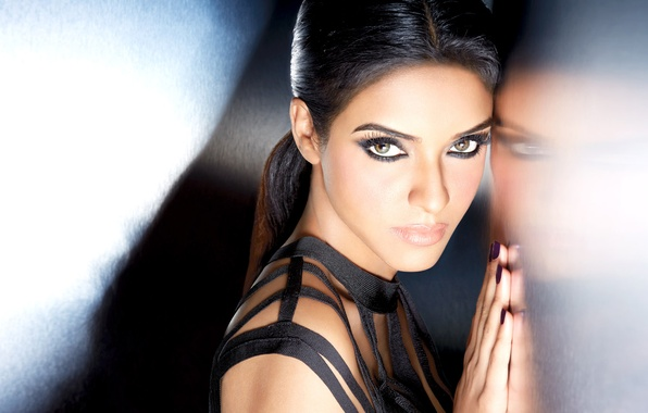 beautiful eyes asin bollywood - photo #5