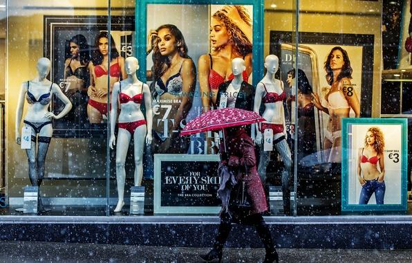Picture woman, umbrella, snowing, pedestrain