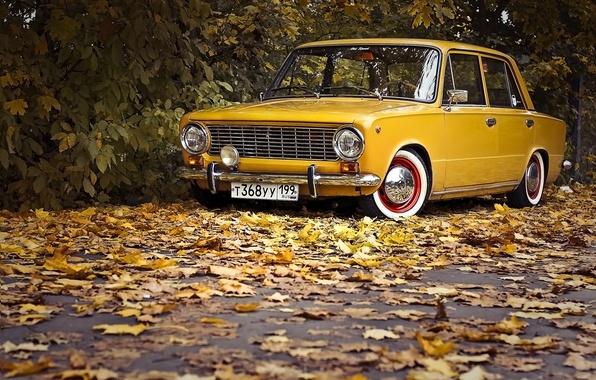 Picture road, auto, autumn, leaves, retro, Wallpaper, wallpaper, penny, classic, yellow, Lada, VAZ, 2101