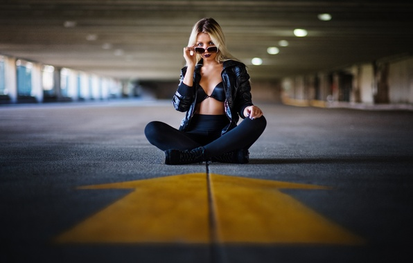 Picture road, look, girl, face, hair, arrow, glasses, sitting