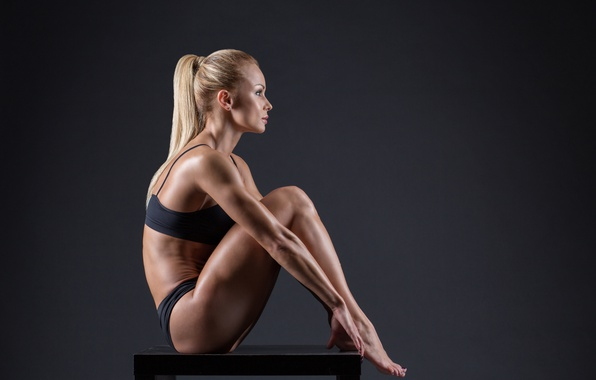 Picture model, blonde, pose, fitness, toned body, sculpted