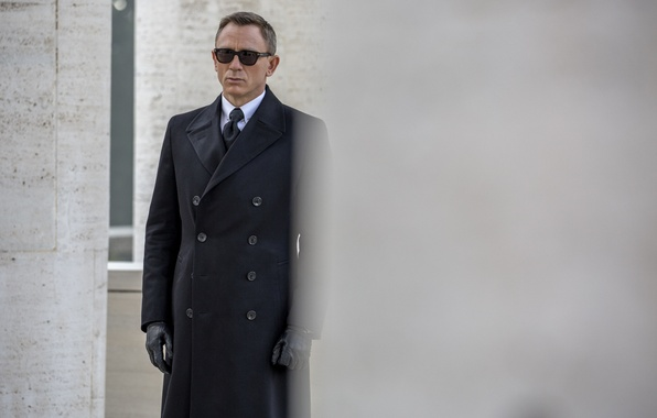 Picture frame, glasses, gloves, agent, coat, James Bond, Daniel Craig, 007, James Bond, Daniel Craig, 007: …